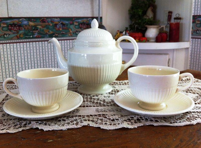 Rose's tea set