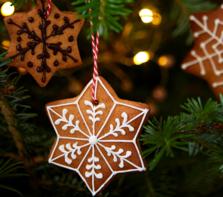 Gingerbread_tree_decorations